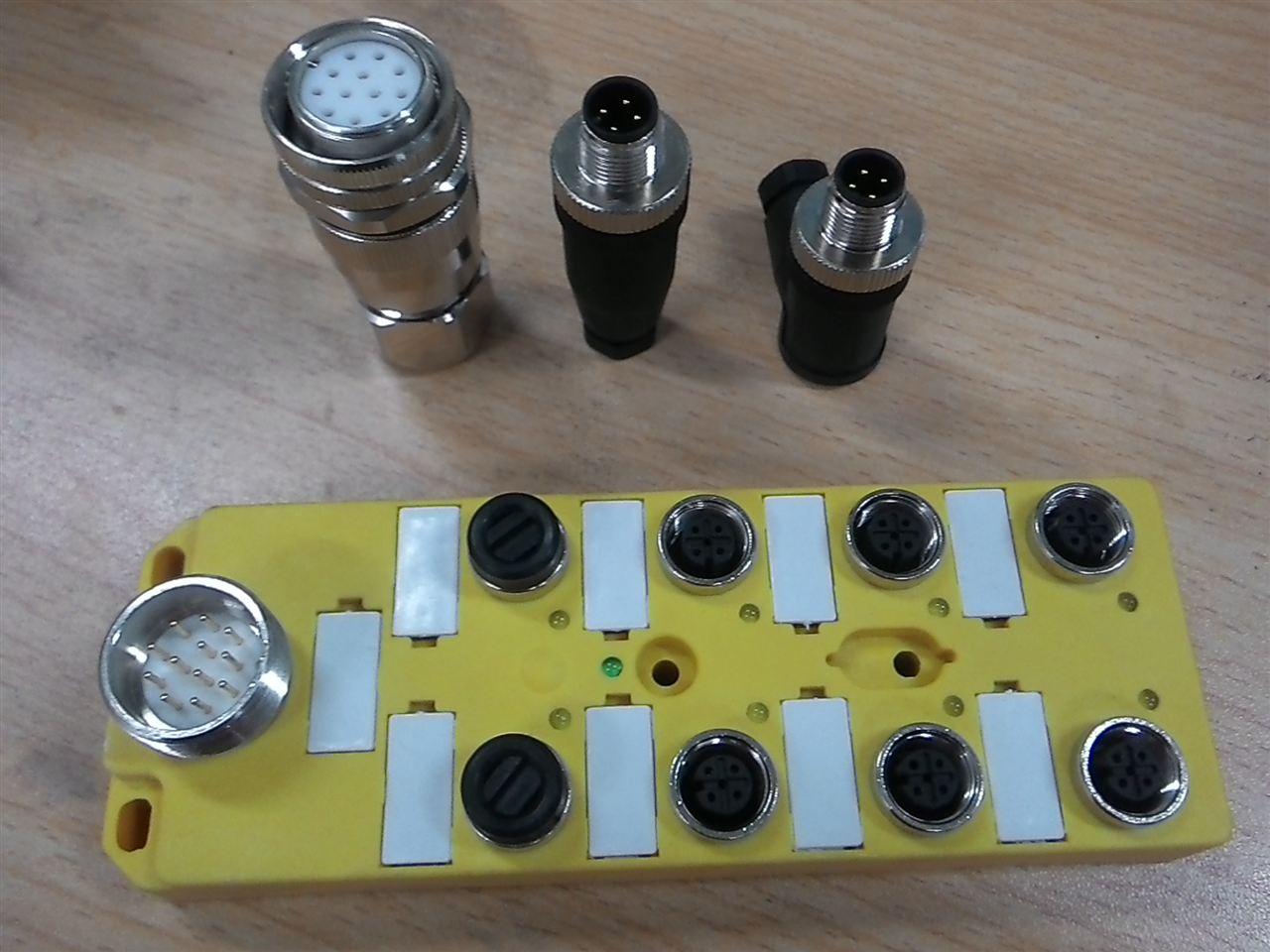 上海科迎法提供3针3孔、4针4孔、5针5孔、6针6孔、7针7孔、8针8孔、12针12孔形式的线缆插头和插座。和传感器执行器总线模块在自动化设计一样,M12信号插头、M8信号线插头,7/8电源插头、5/8耐高温电源信号插头有直角和弯角,易于组装和拆装,不需要工具。